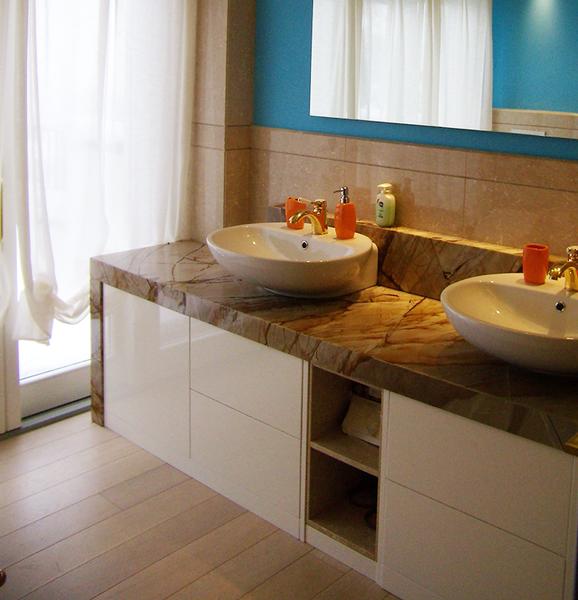 Il bagno dorato alice terzi studio for Accessori bagno dorati